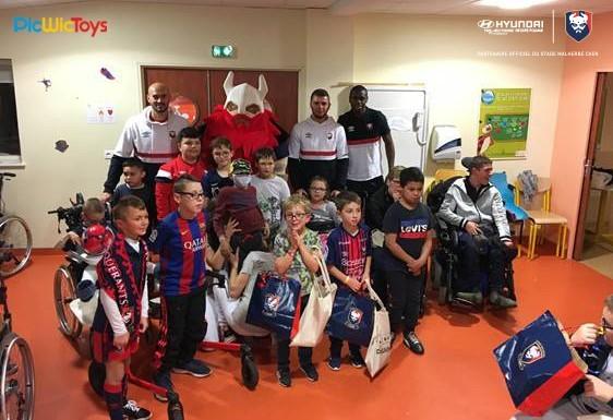 Hyundai Caen et le Stade Malherbe en visite auprès des jeunes patients du CMPR