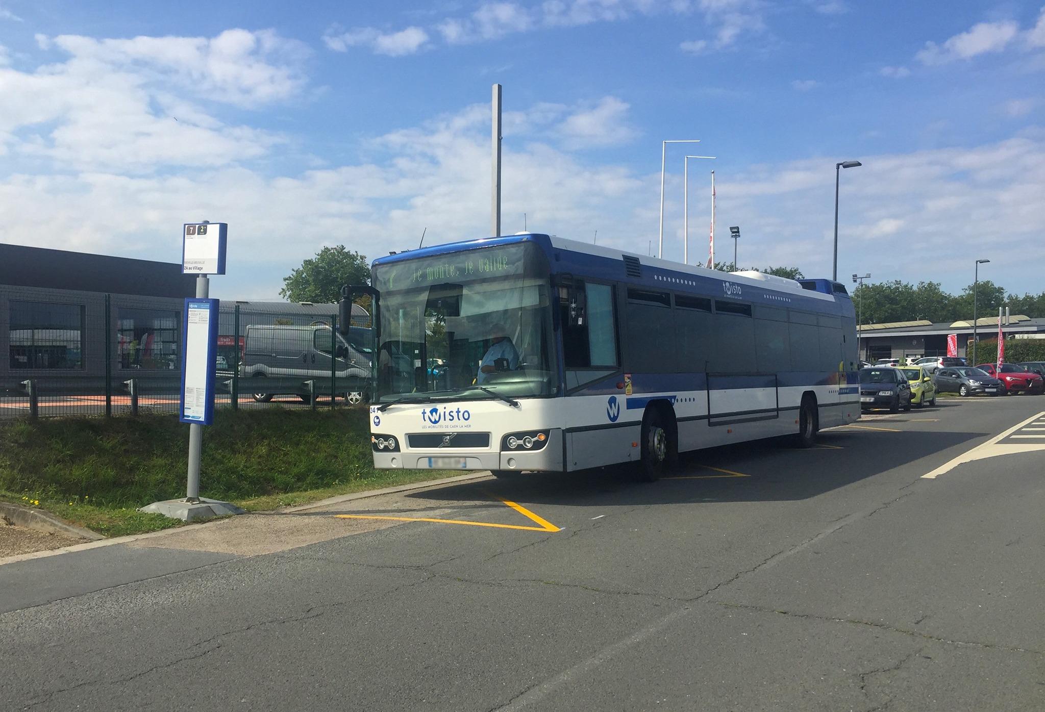 Ouverture d'une ligne de bus TWISTO au village à Biéville-Beuville.